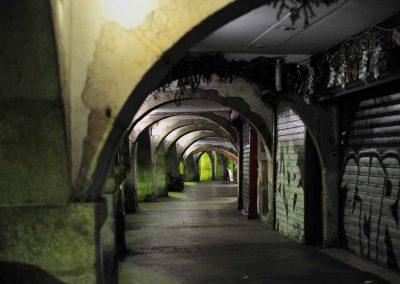 Les aracades Rue Filaterie de nuit dans le vieil Annecy