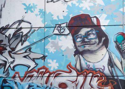 Tags sur la façade du Brise-glace à Annecy