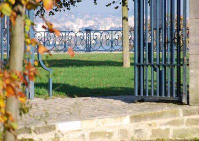 Grille d'enceinte donnant sur la Terrasse de Saint-Germain-en-Laye