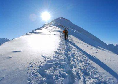 Hors-piste au sommet du mont Joly