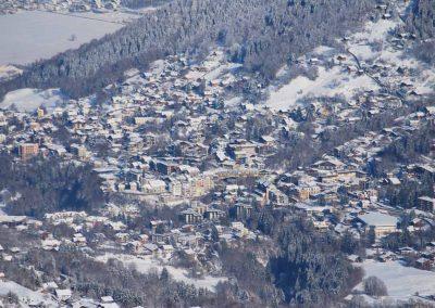 Vue aérienne de Saint Gervais en hiver