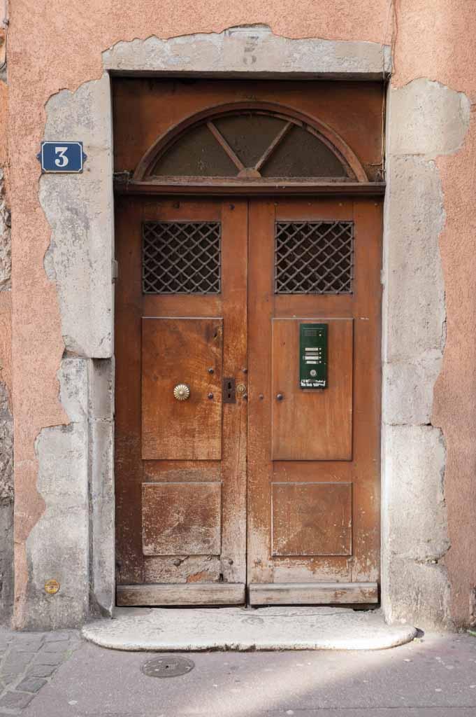 porte ancienne ancienne porte bois file vieille porte bois s wikimedia commons les 25. Black Bedroom Furniture Sets. Home Design Ideas