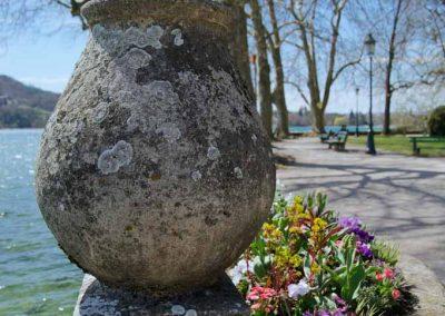 Potiche dans le parc du Casino Impérial à Annecy