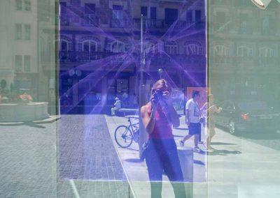 Reflets dans vitrine à Genève