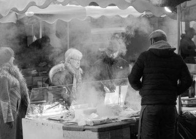 Stand sur le marché du vieil Annecy