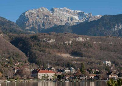 Vue sur Talloires depuis le lac d'Annecy