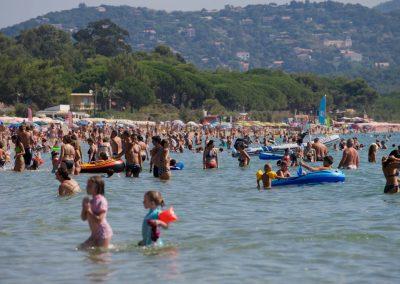 Vacanciers dans la baie de Cavalaire