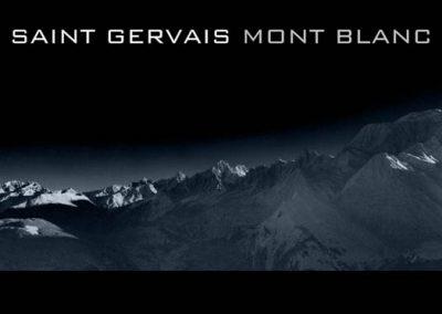 La chaîne du Mont-Blanc en noir et blanc