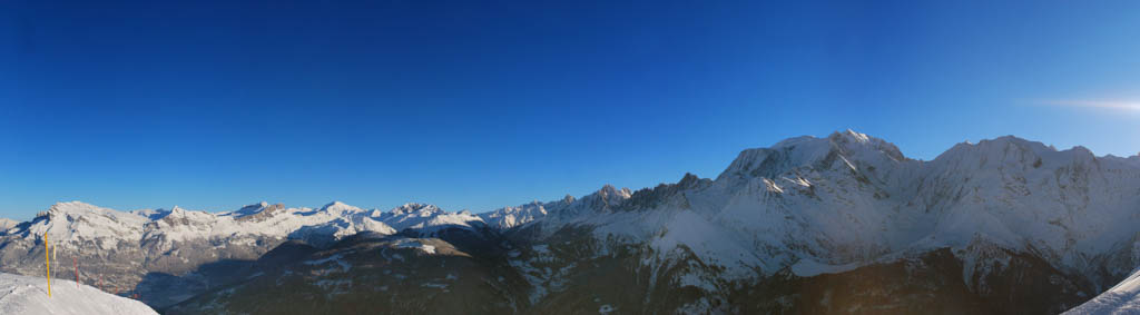 Le massif du Mont-Blanc en hiver