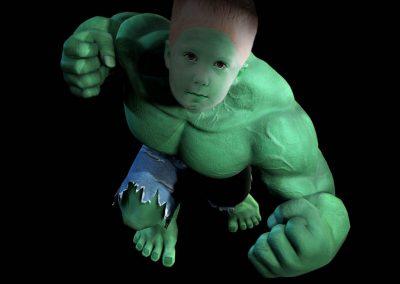 Photomontage portrait d'un garçon Hulk